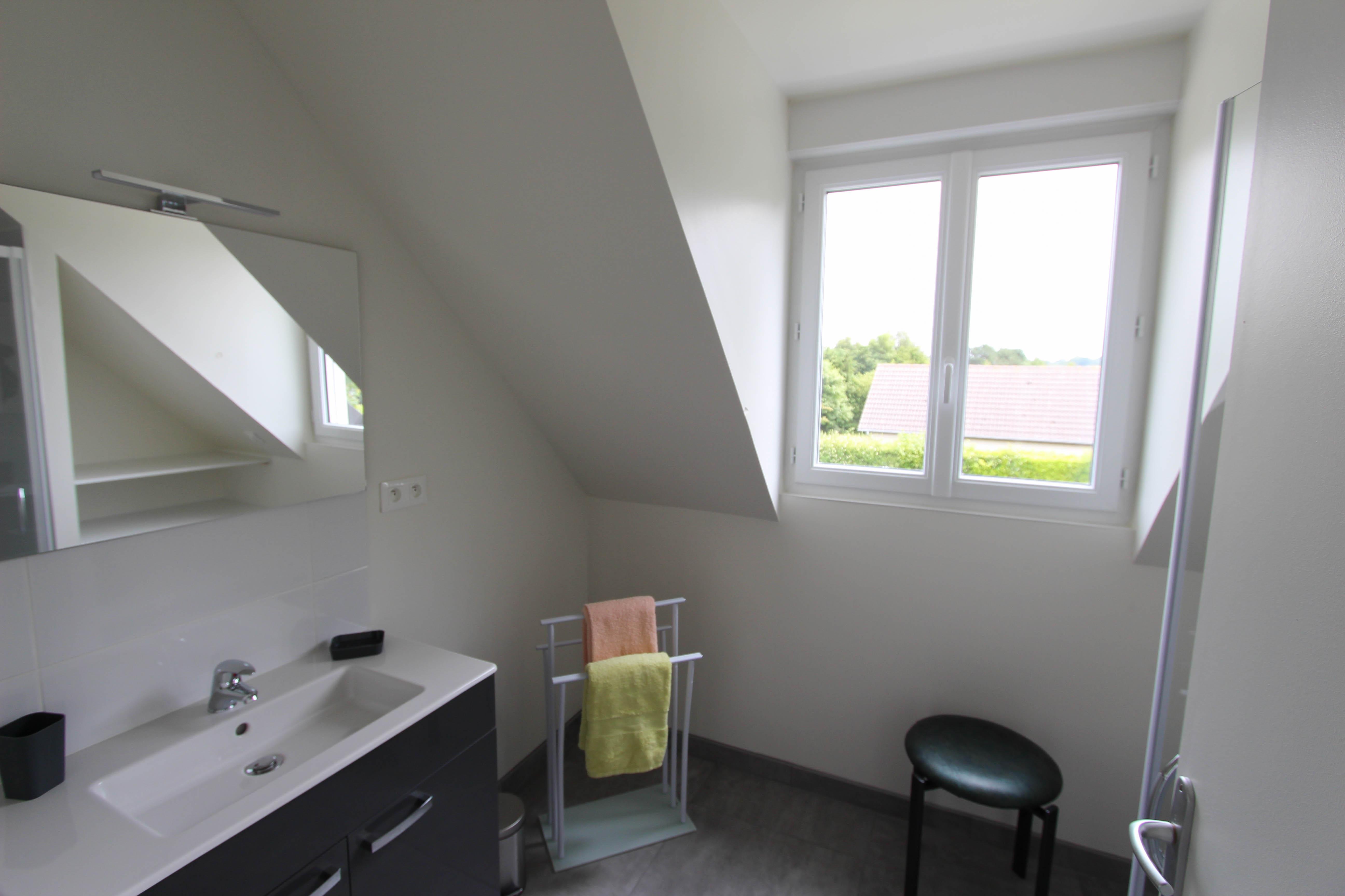 salle de bain étage de la villa rubis location gîte varengeville-sur-mer pourville-sur-mer