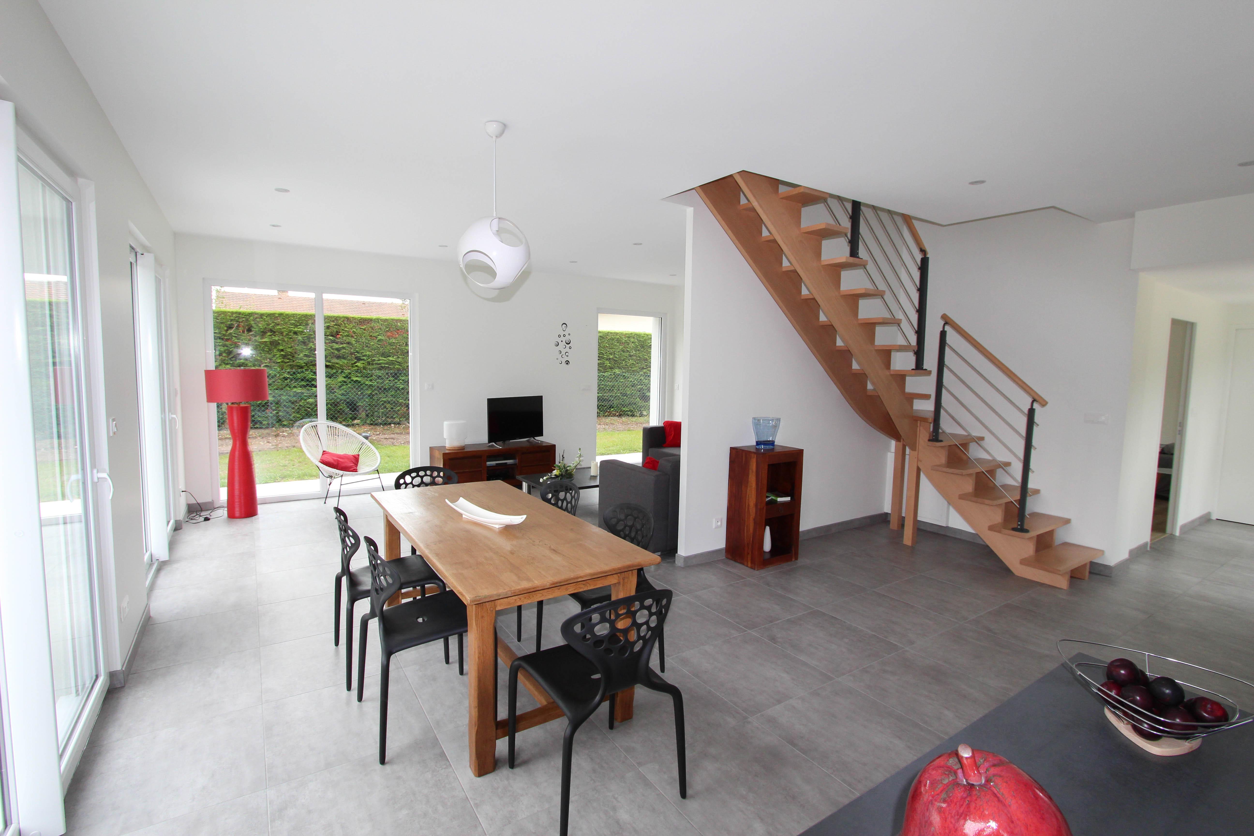 salle à manger de la villa rubis location gîte varengeville-sur-mer pourville-sur-mer